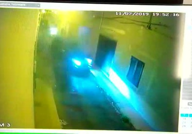 Bimbi travolti dal Suv, il video dell'incidente
